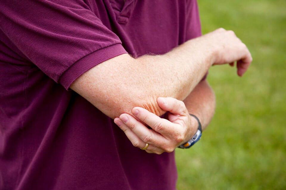 Болит локтевой сустав правой руки