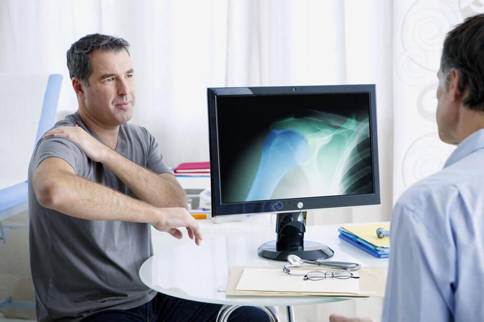 Сильно болит правый плечевой сустав thumbnail