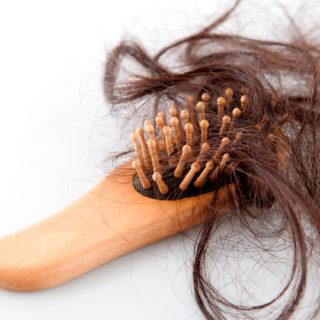 Очень сильно выпадают волосы — что делать?