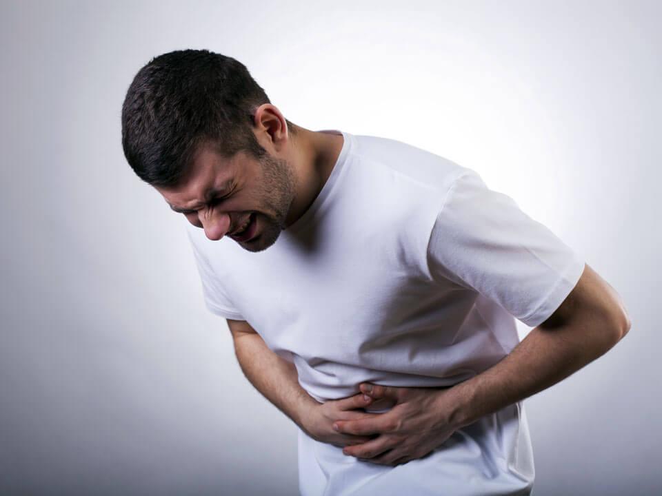 Боль в левом боку внизу живота у мужчин