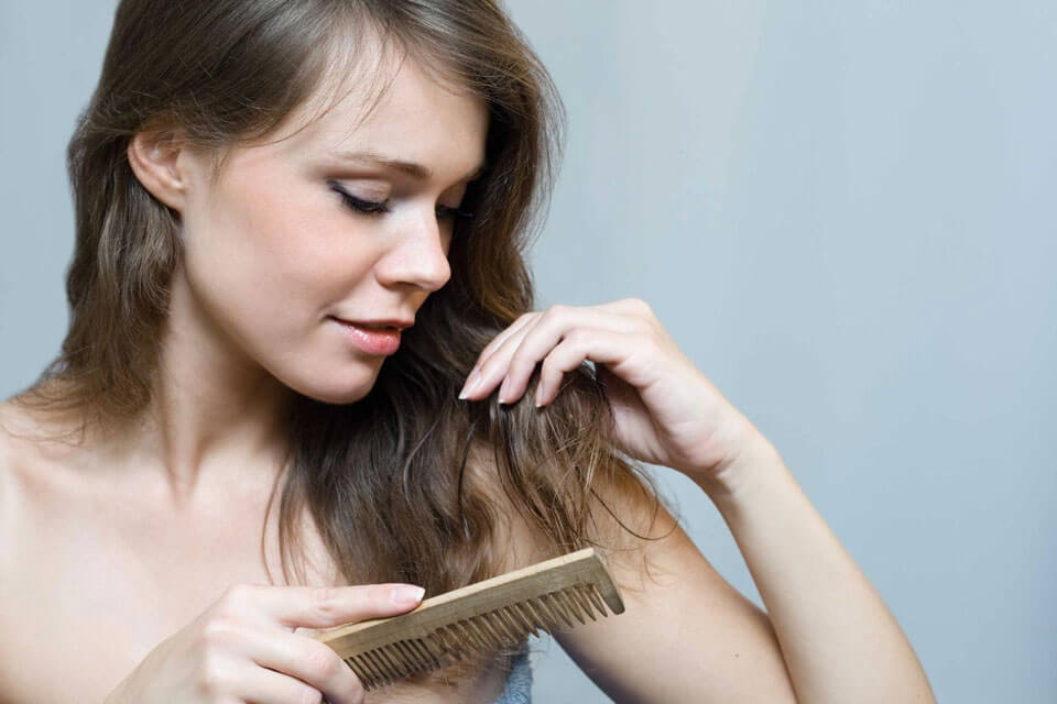 10 причин выпадения волос и кожного зуда