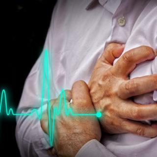 Болит сердце при вдохе